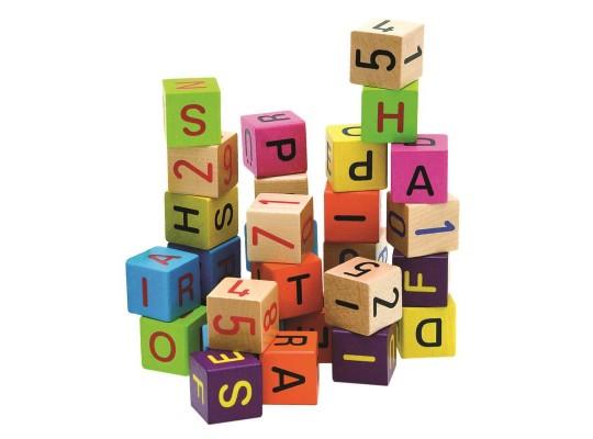 Kostky s písmeny a čísly