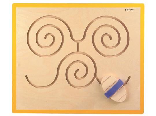 Labyrint nástěnný-motýl