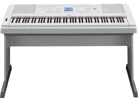 Piano-bílé