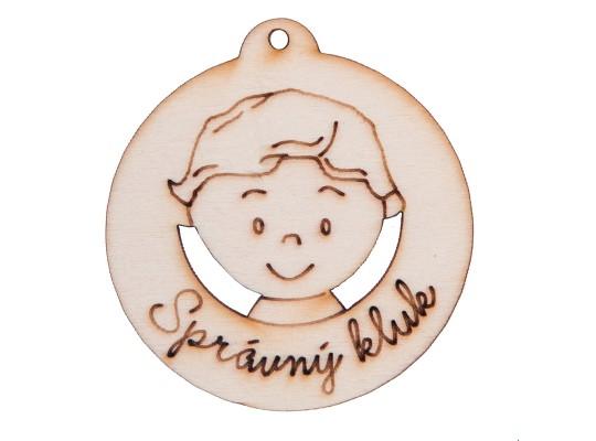 Medaile dřevěná-motiv-správný kluk
